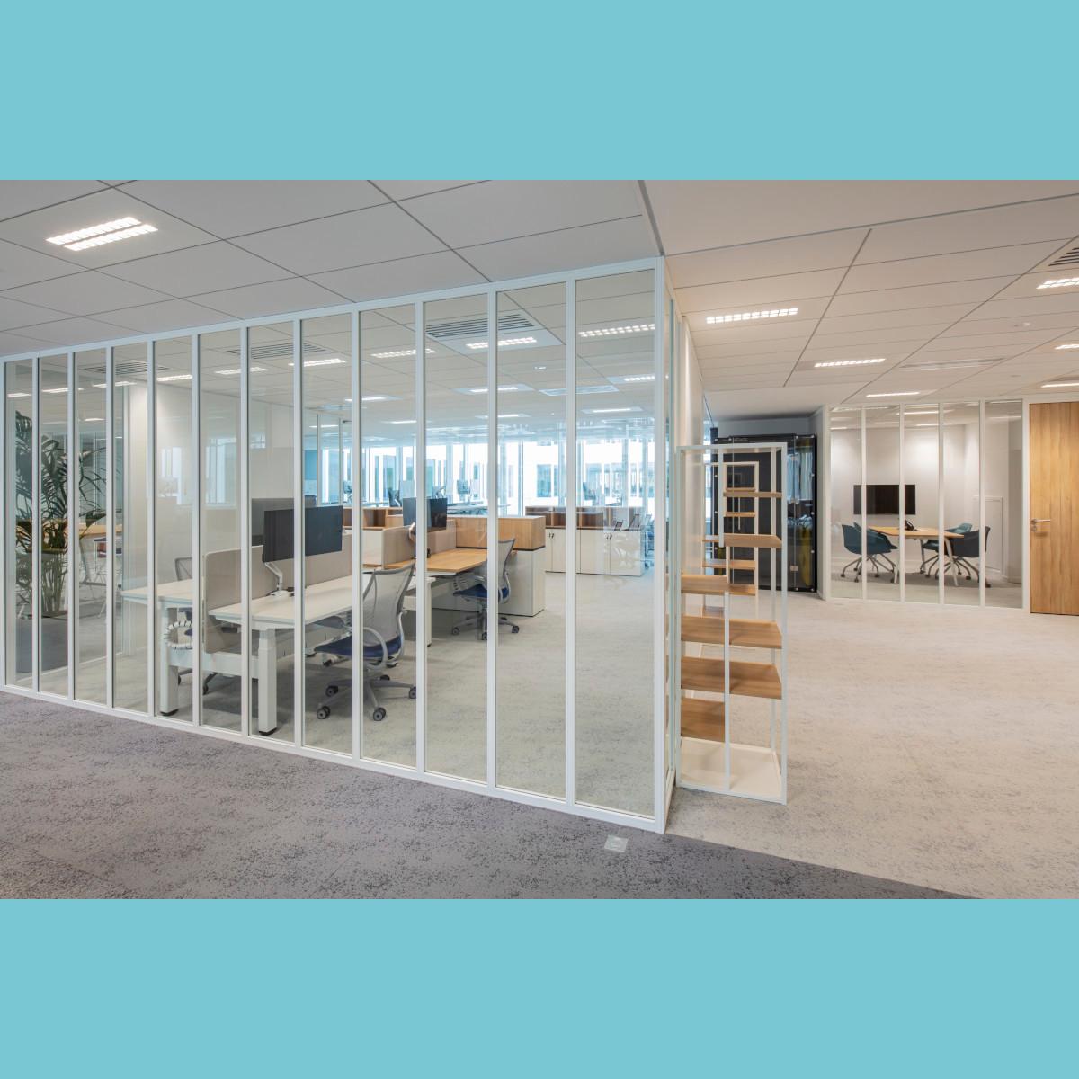 Altarea - siège social 87 rue de Richelieu à Paris - cloison amovible de bureau simple vitrage bord à bord Partena 40 Vision